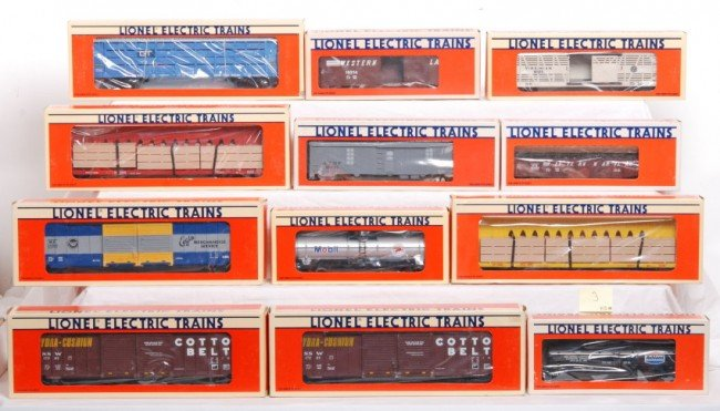 3: 12 Lionel freight cars 19214, 17203, 17873, Etc.