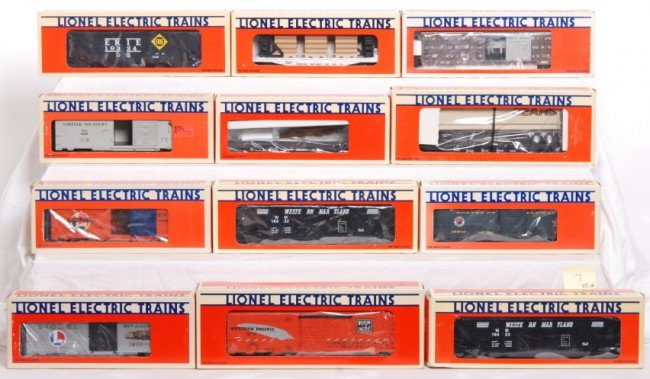 7: Lionel cars, 12 total 199960, 19324, 19411, etc.