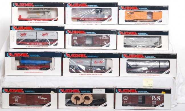 13: Lionel LTI freight cars 12 total 16617, 16352, etc.