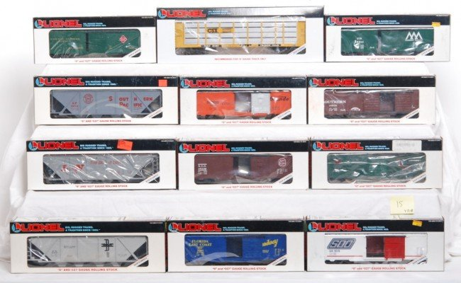 15: 12 Lionel freight cars 16206, 17890, 16407, etc.
