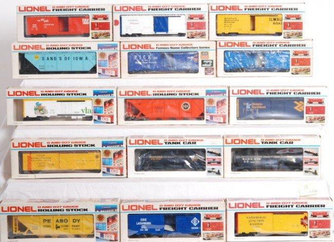 18: 15 Lionel freight cars, 9138, 9276, 9455, etc.