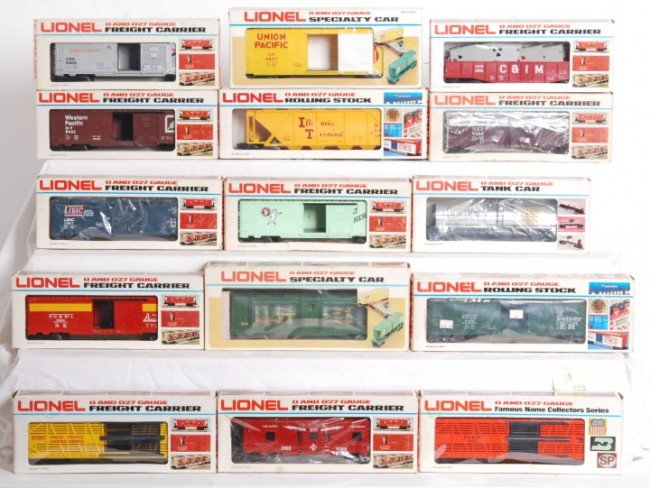 19: Lionel freight cars 15 total 6131, 6206, etc.