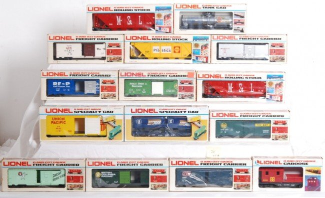 20: 15 Lionel Fundimensions cars 9213, 9189, Etc.