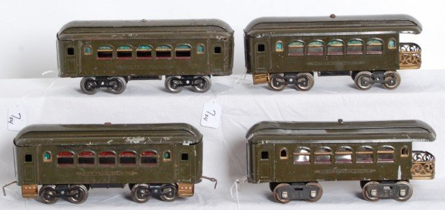 7: Two Lionel No. 35 Pullmans and two 36 observations