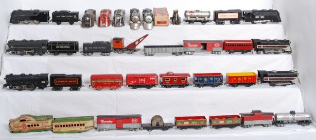8: Lot of Marx trains, freight cars, passenger cars