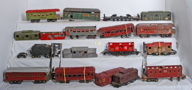 18: Ives and American Flyer wide gauge trains and parts