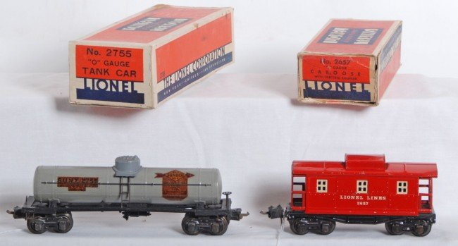 809: Lionel No. 2755 Sunoco tank and No. 2657 caboose i