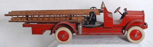 940: Kelmet (Gilbert) 1929 fire truck