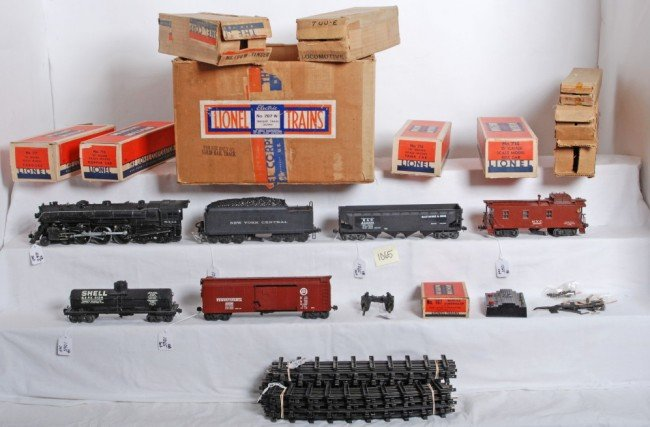 1065: Lionel 707W scale freight outfit in set box w/700