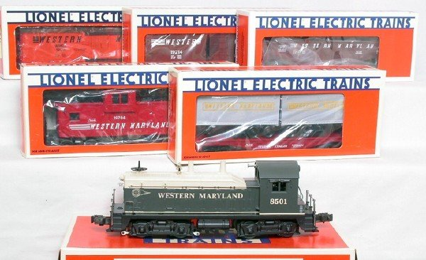 3006: Lionel Western Maryland 18501 NW2, 5 cars