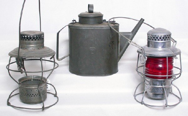 3008: Pennsylvania RR oil can Handlan Adlake lanterns