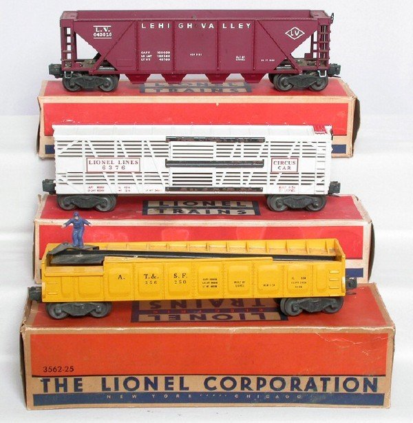 3010: Lionel freight cars 6376 6436 3562-50, OBs