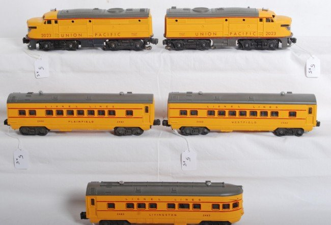 5: Nicely restored Lionel 2023 and 2481, 2482, 2483