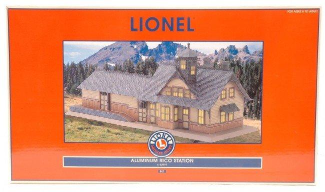 24: Lionel 32997 Aluminum Rico Station MINT Boxed
