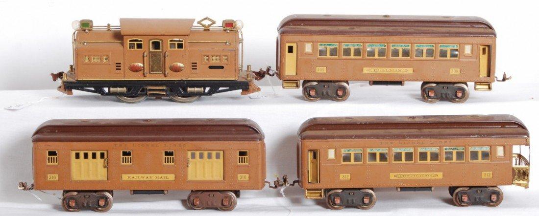 807: Lionel 318E loco, 309, 310, 312 passenger cars