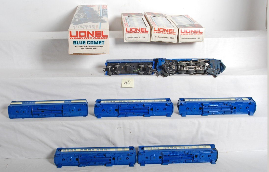 40: Lionel 8801 Blue Comet and passenger cars - 3