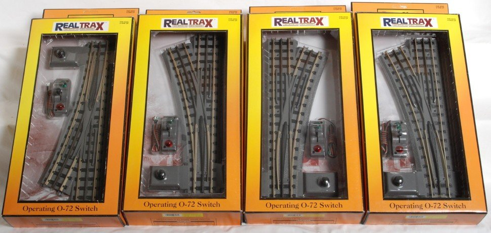 9: 4 MTH Real Trax 072 switches