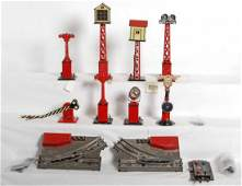 879: American Flyer and Marx O gauge accessories