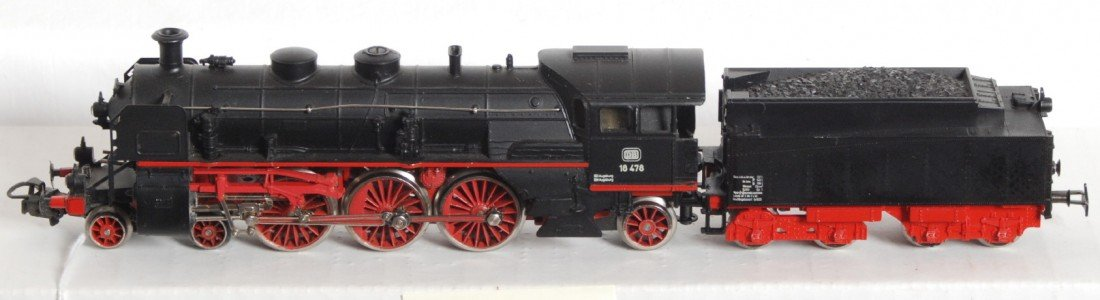 1605: Marklin HO 4-6-2 DB steam locomotive