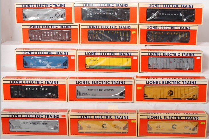 1: 15 Lionel ACF and coal hoppers 17110, 17105, 17128,