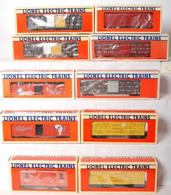 18: 10 Lionel operating freight cars 19822, 16706, 1665