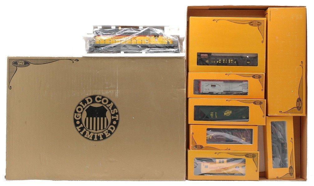 13: Lionel 1361 Gold Coast Limited Set MINT Boxed
