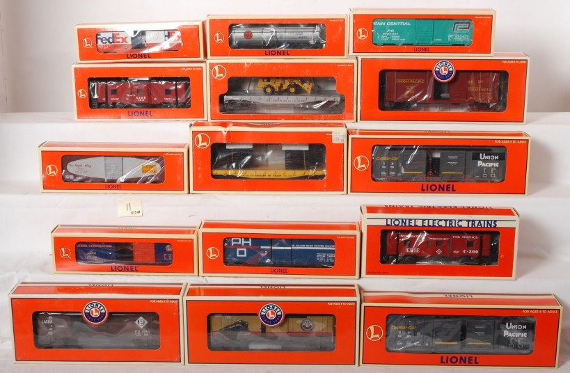 11: 15 Lionel freight cars 19612, 19732, 19719, 39246,