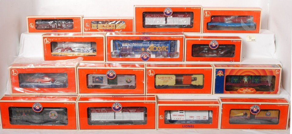 21: 15 Lionel freight cars 16754, 17702, 17408, 16737,