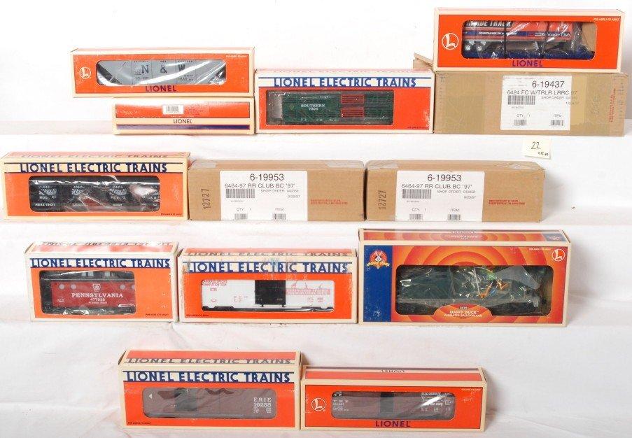 22: 15 Lionel freight cars 19292, 19437, 19421, etc.