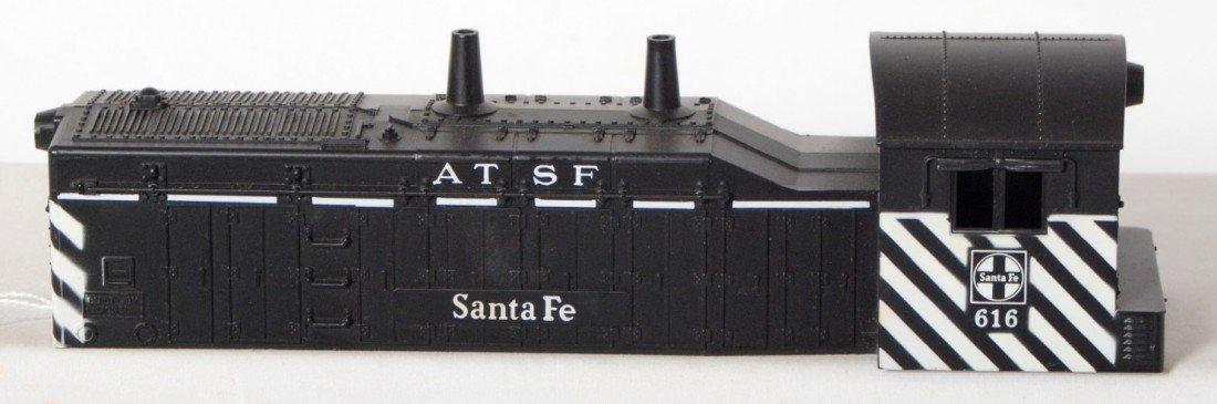 809: Lionel No. 616 Santa Fe NW-2 shell never mounted