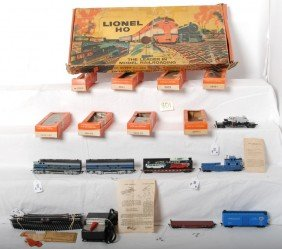 801: Boxed Lionel 11-L-262 Baltimore and Ohio diesel HO