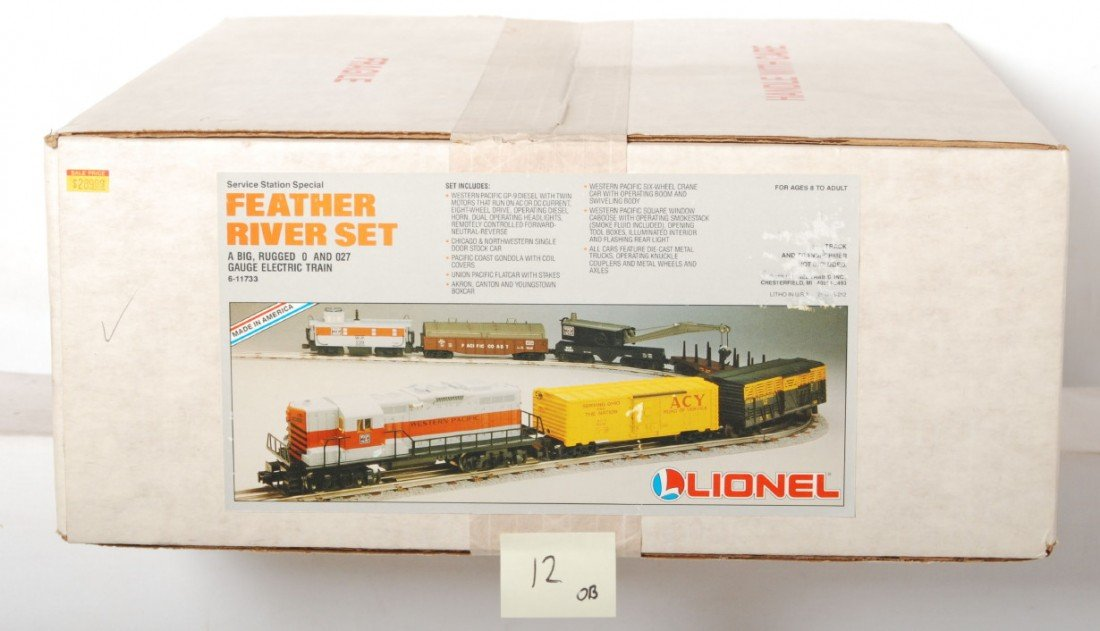 12: Lionel 11733 Western Pacific set, sealed