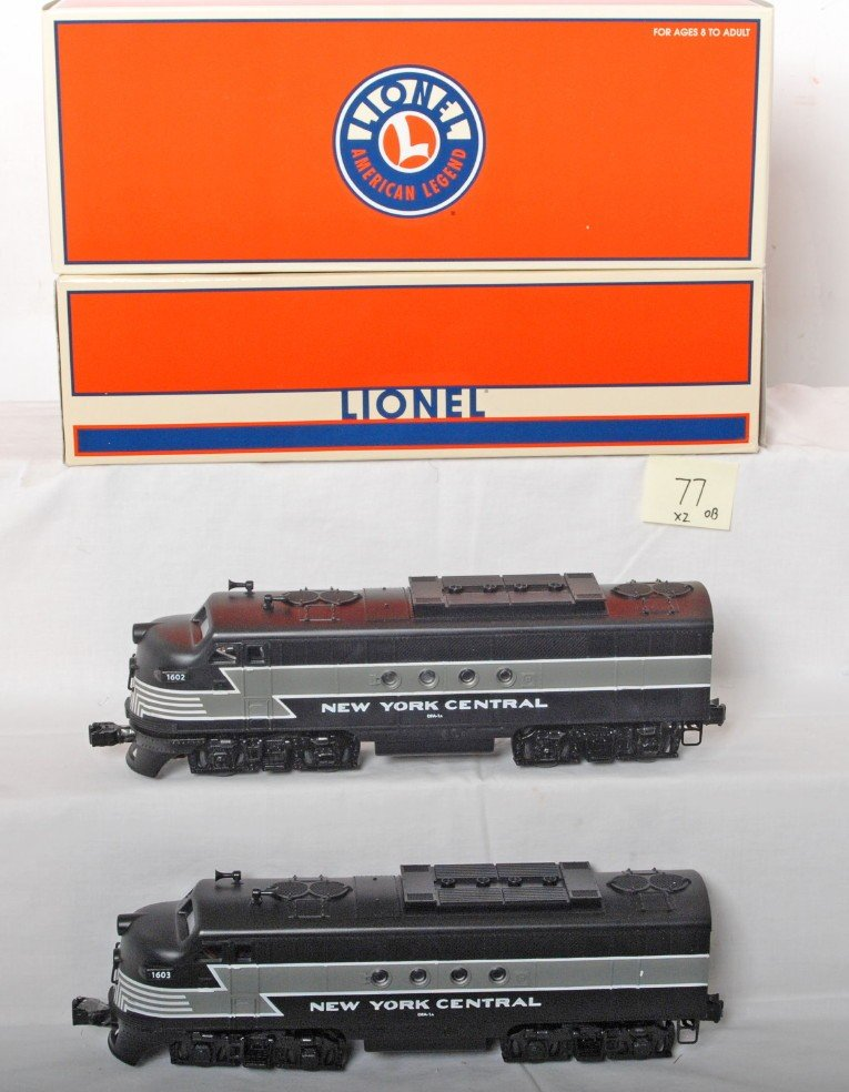 77: Lionel New York Central FT ABA set with TMCC