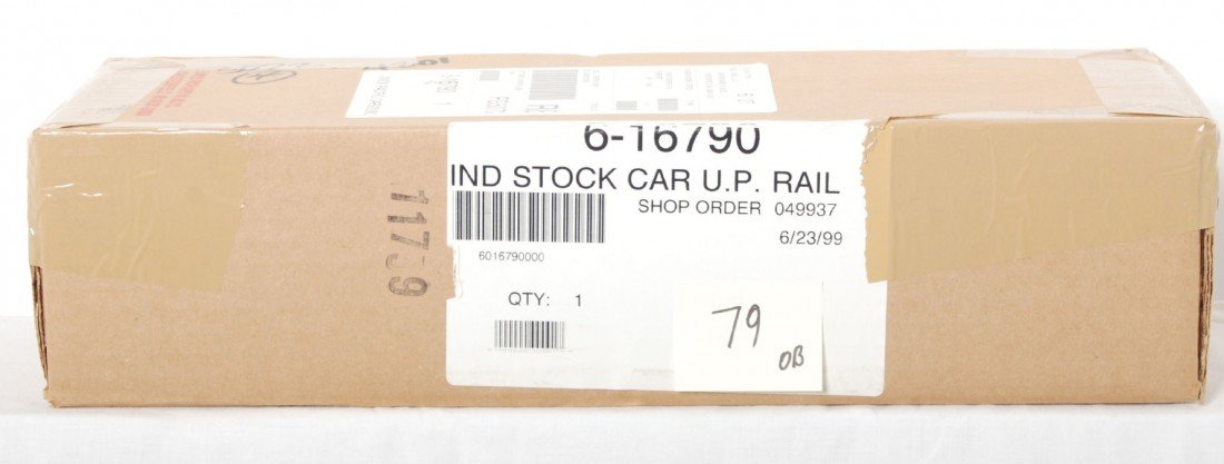 79: Lionel Union Pacific 16790 stock car with sounds