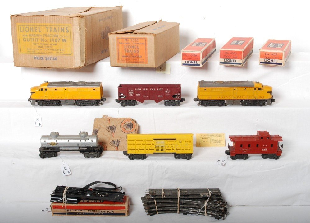 81: Boxed Lionel Outfit No. 1467W U.P. Alco freight tra