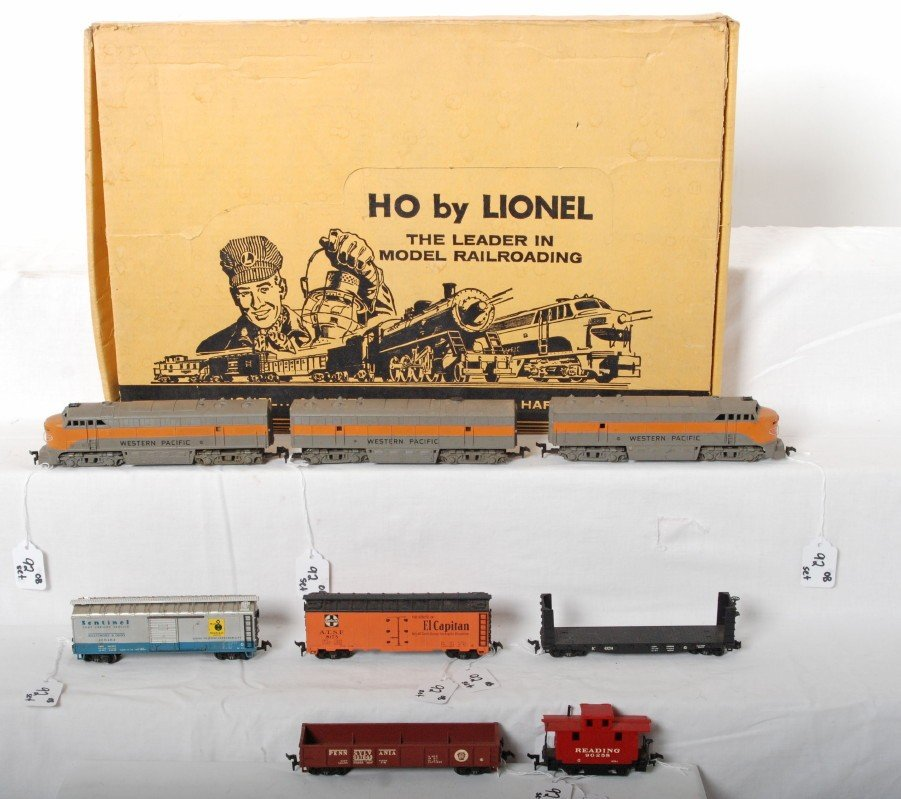 92: Lionel No. 5703 HO Western Pacific diesel freight i