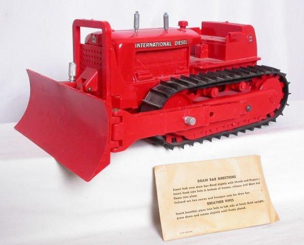 4: Product Miniature International diesel bulldozer