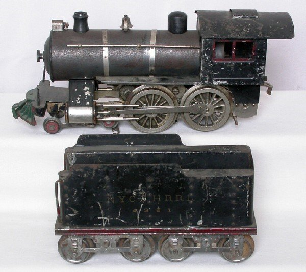 69: Lionel prewar No. 6 steam engine and tender
