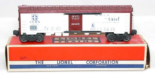 602: Unrun Lionel 6672 ATSF three line reefer in OB
