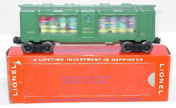 605: Lionel 3435 aquarium car with gold letters, OB