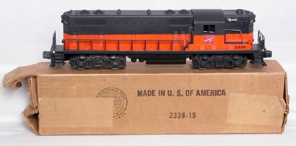 1029: Lionel solid stripe 2338 Milwaukee Road GP, OB