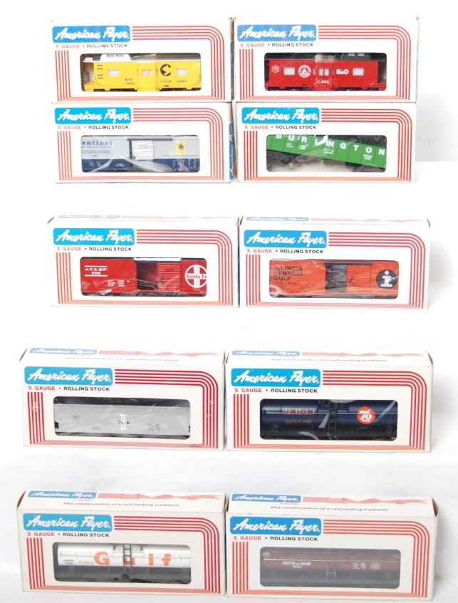 173: 10 American Flyer freight cars 9101, 9712, 9401, e
