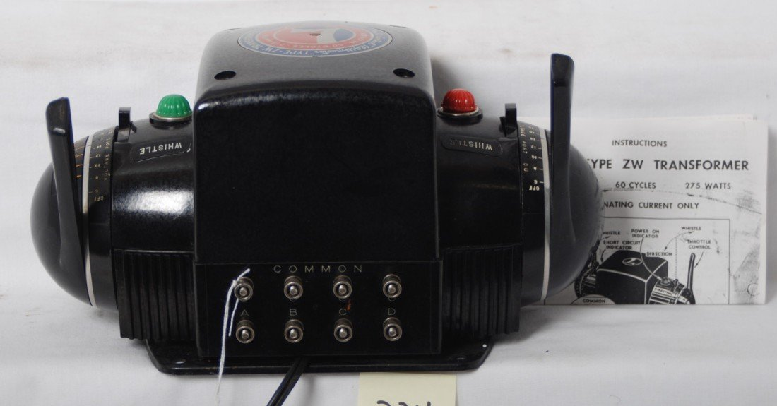 224: Lionel type ZW 275 watts transformer w/cord - 2