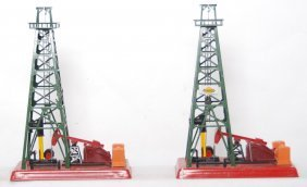 802: Two Lionel 455 oil derrick and pumpers