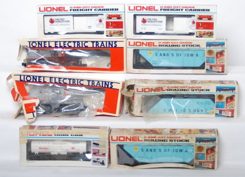 17: 8 LCCA and other Lionel cars 6567 9358, 9467, etc