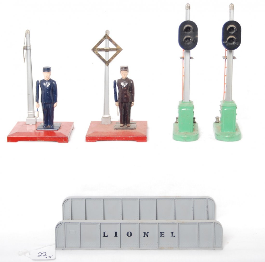 22: Lionel 1045 x2, 153 x2, and 314 accessories