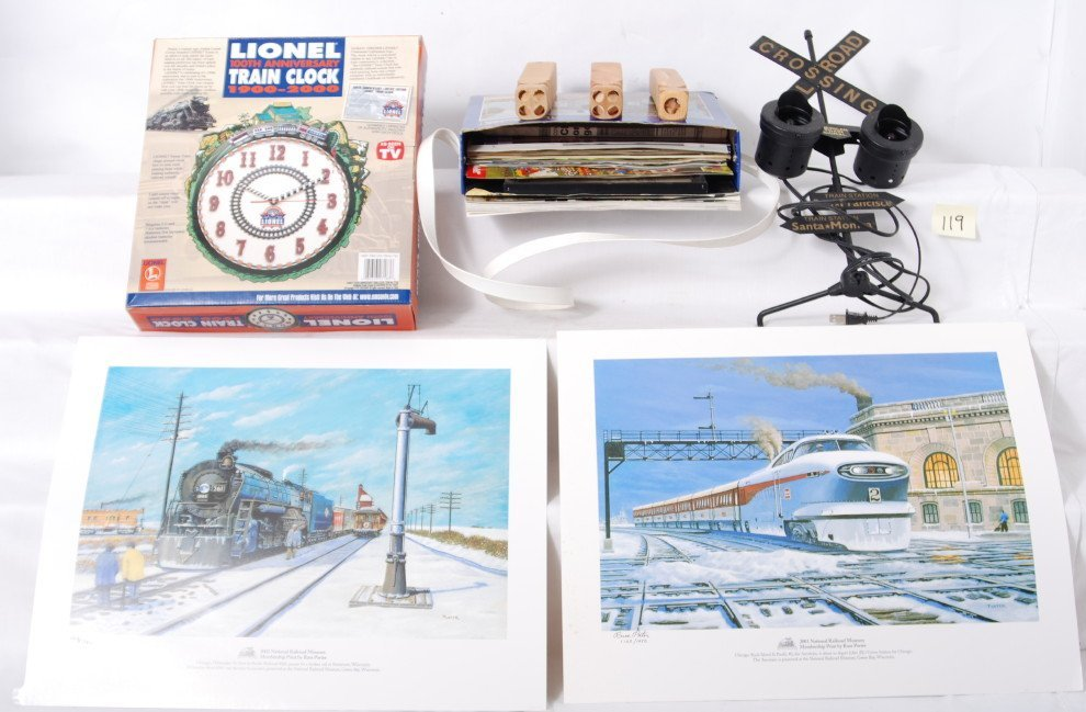 119: Large lot of toy train related items, Marklin, Pol
