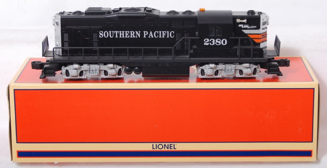 443: Lionel Southern Pacific 18562 GP-9 with TMCC
