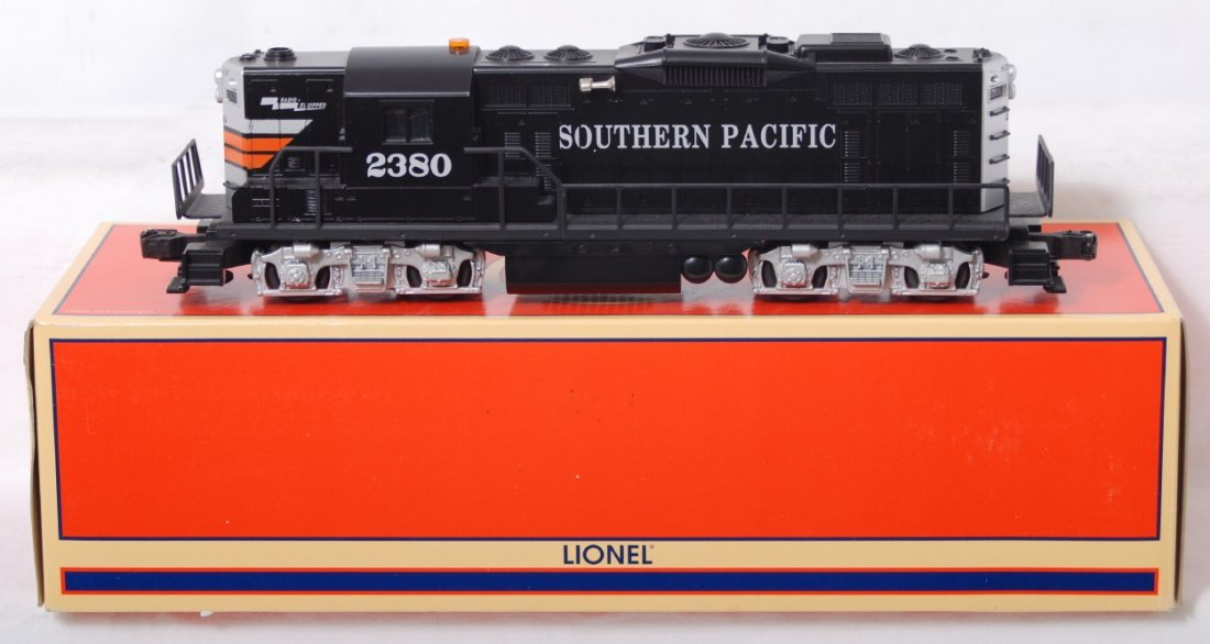 443: Lionel Southern Pacific 18562 GP-9 with TMCC - 2