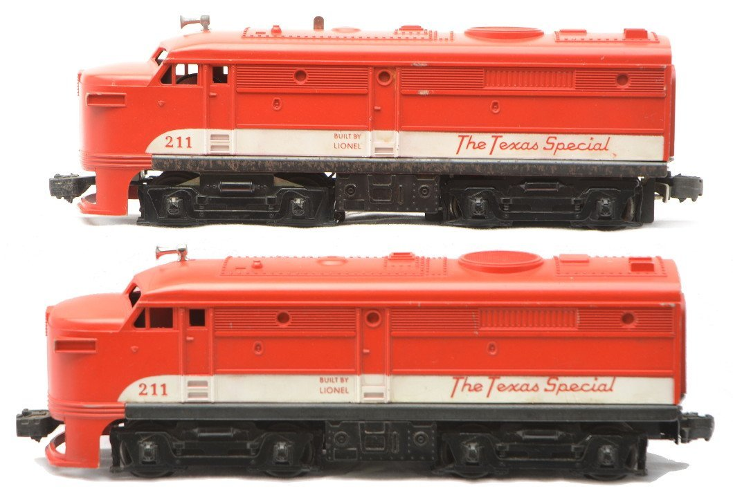 2: Lionel 211 Texas Special Alco AA Diesel Units